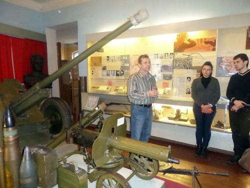 Екскурсію проводить науковий співробітник Уманського краєзнавчого музею В.М. Давидюк