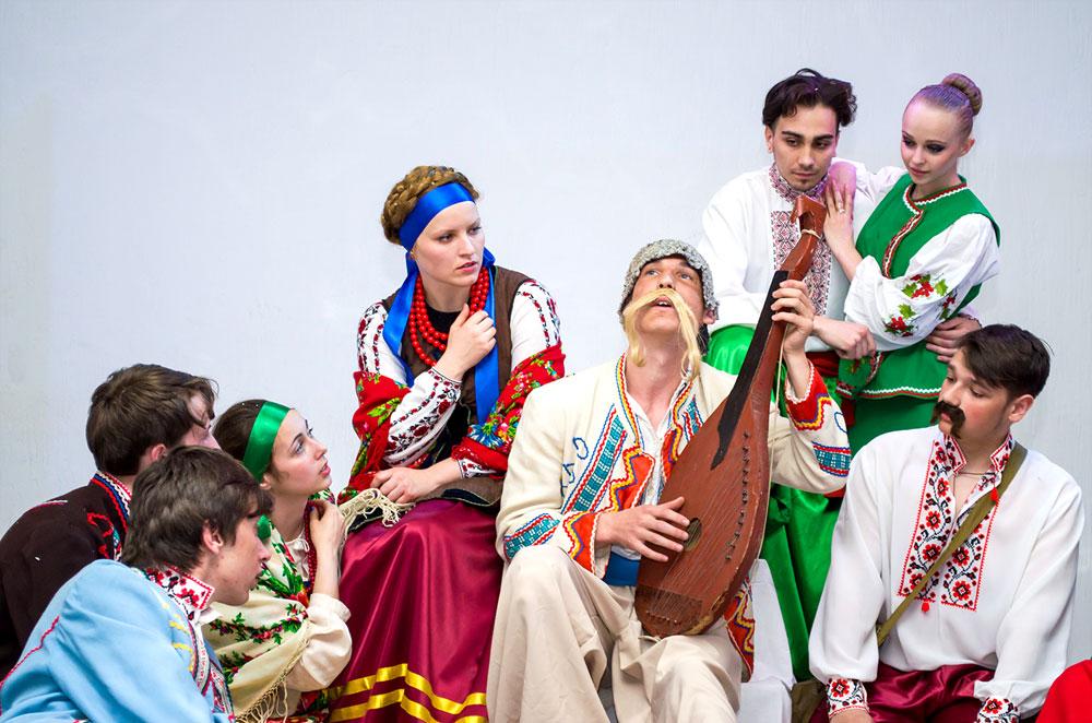 """Наші студенти у виставі """"Назар Стодоля"""""""